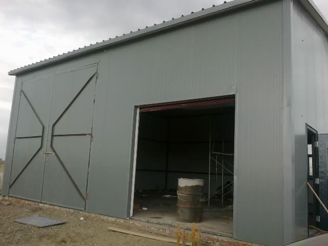 石河子市彩钢钢结构活动房