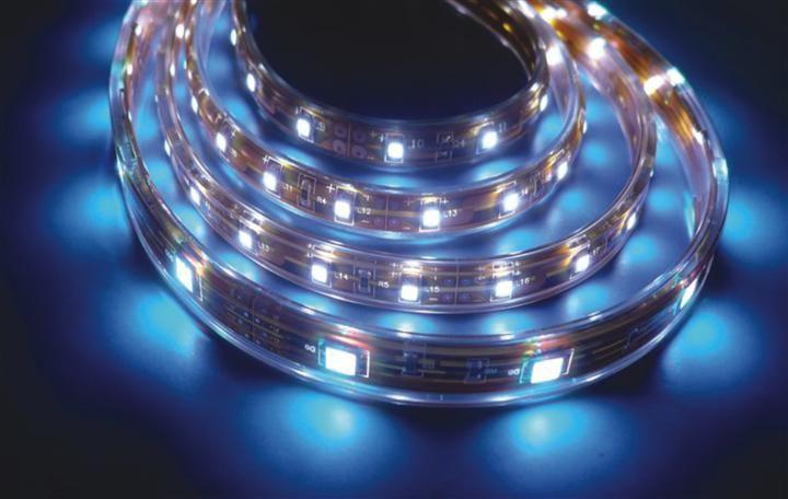 其基本特性是以rgb三基色及pcb电路板串(并)联混合连接,内置微处理器