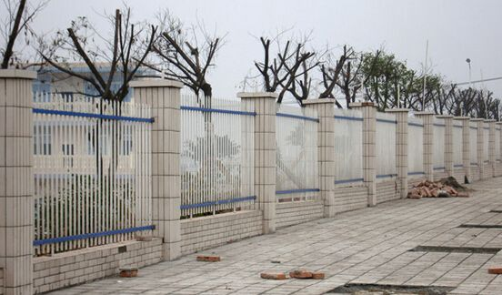 手绘q版校门围墙