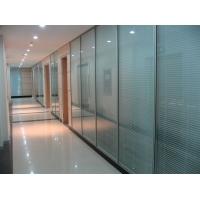 办公室隔音高档隔墙工程采用铝材加百叶帘翻转