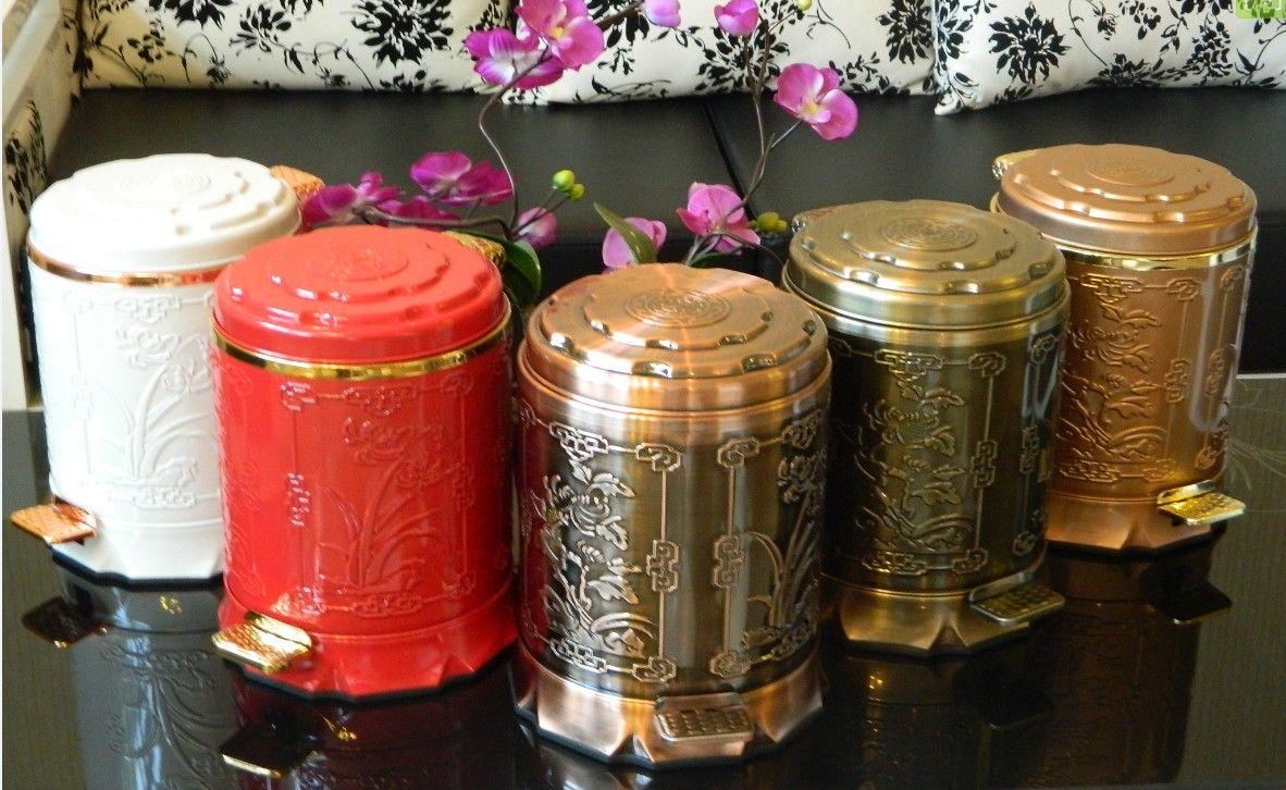 本公司供应不锈钢垃圾桶室内垃圾桶,品牌剑雅垃圾桶,型号736B。参数为:材质* 不锈钢。质量保证,欢迎咨询洽谈。特点:静音、抗菌、不易变形、设计独特,易于清洗、防移动倾倒技术、表面采用防指纹压花技术!选择我们的产品,会为您营造一个高端大气的客厅或者办公室! 大家可以到淘宝首页搜索剑雅垃圾桶进入我们的淘宝商城,也可以直接连接网址:http://fbes.
