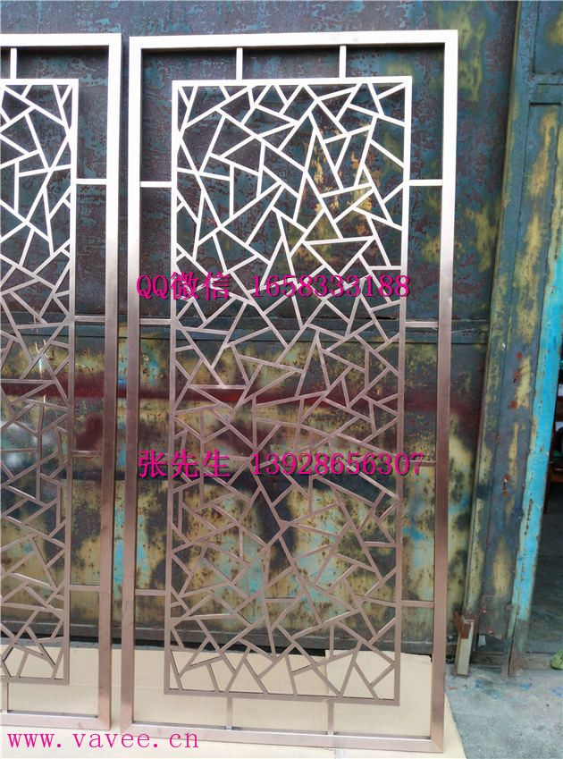 中式黑钛不锈钢格栅花格背景墙造型