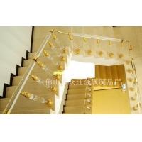 别墅装修楼梯水晶护栏