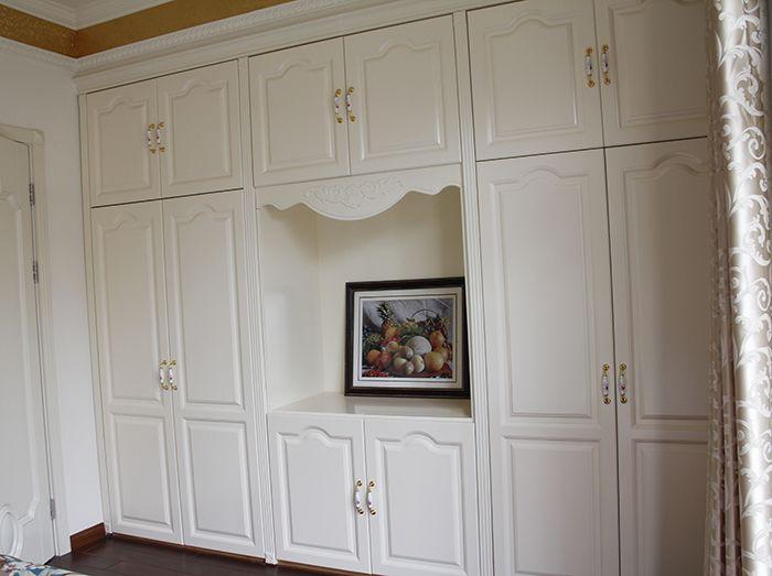 衣柜为象牙白简欧风格带电视柜设计风格图片