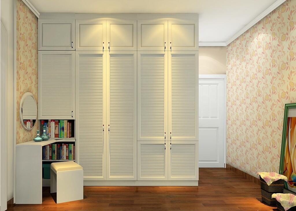 淡雅颜色的衣柜在卧室环境更显柔和,搭配腰封设计感更明显.