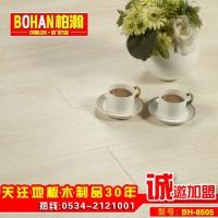 欧式白色简约木地板 松木净片强化复合木地板