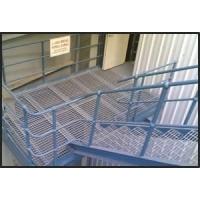 钢梯踏步立柱栏杆钢格板格栅板吊顶