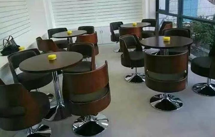 一桌四椅洽谈桌,天津组合玻璃桌,办公奶茶店小圆桌