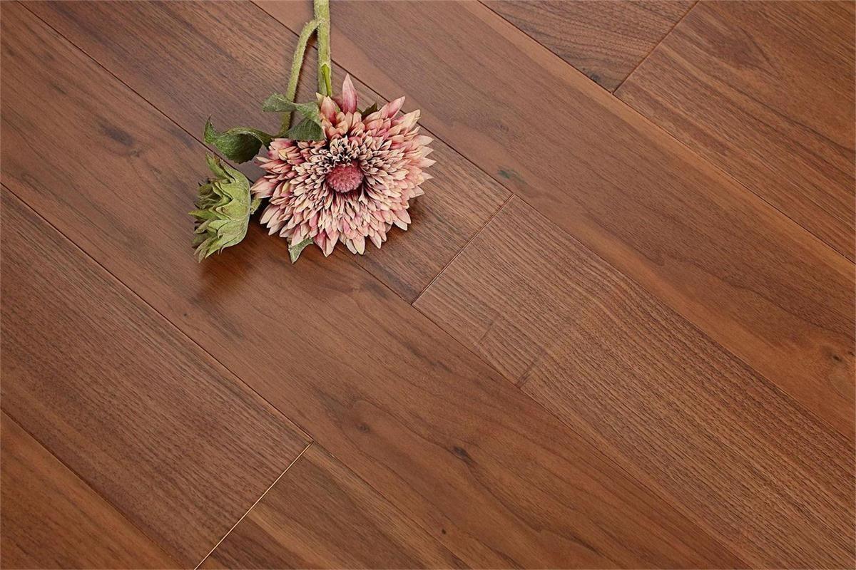 书香世佳地板-实木地板-黑胡桃