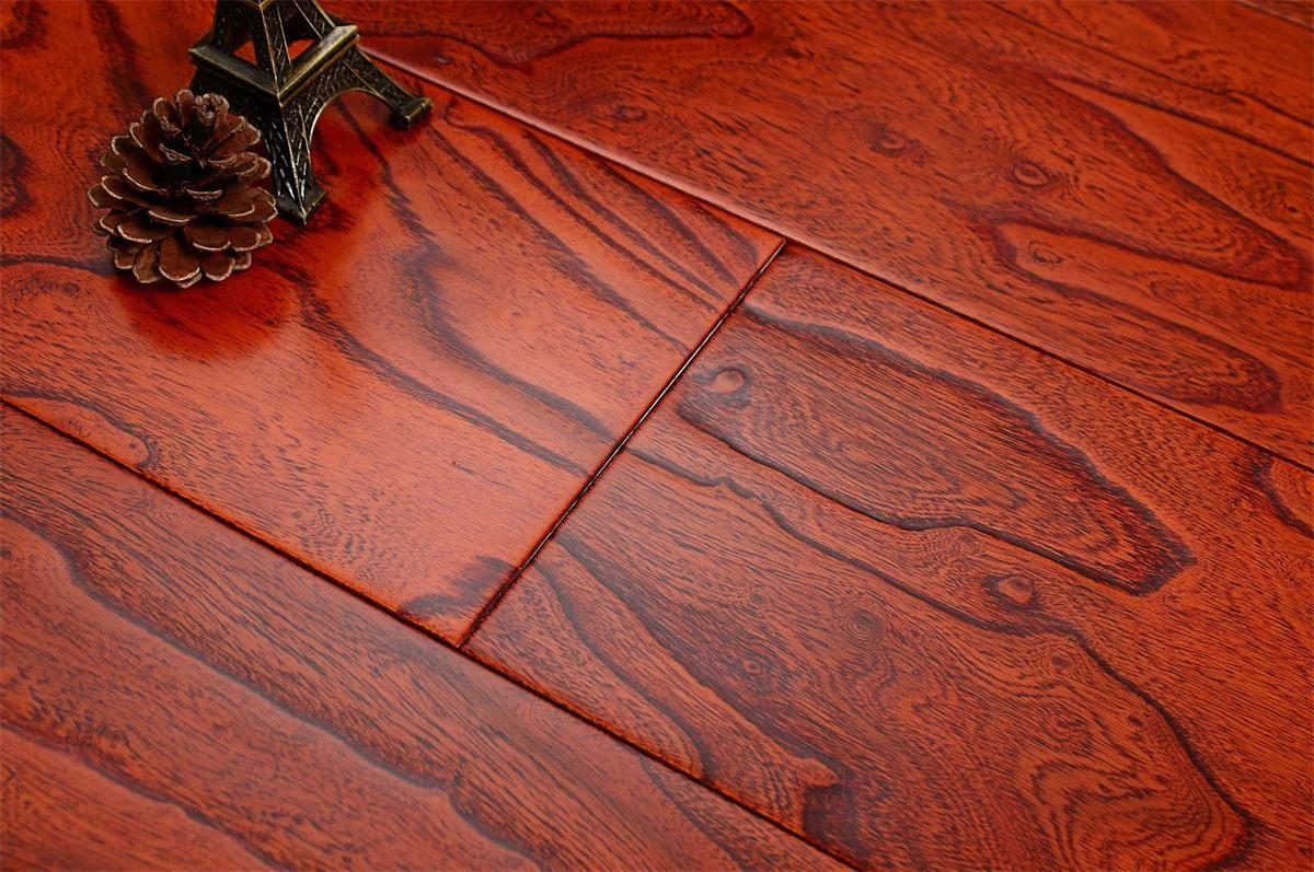 书香世佳地板-多层地板-榆木浮雕8683