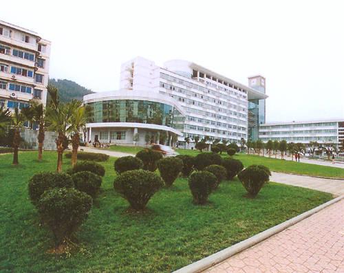 四川农业大学教学大楼全景 成功案例 重庆防水 重庆市金泰新型防水材