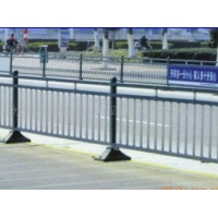 供应高质量道路护栏,河道护栏、焊接道路护栏