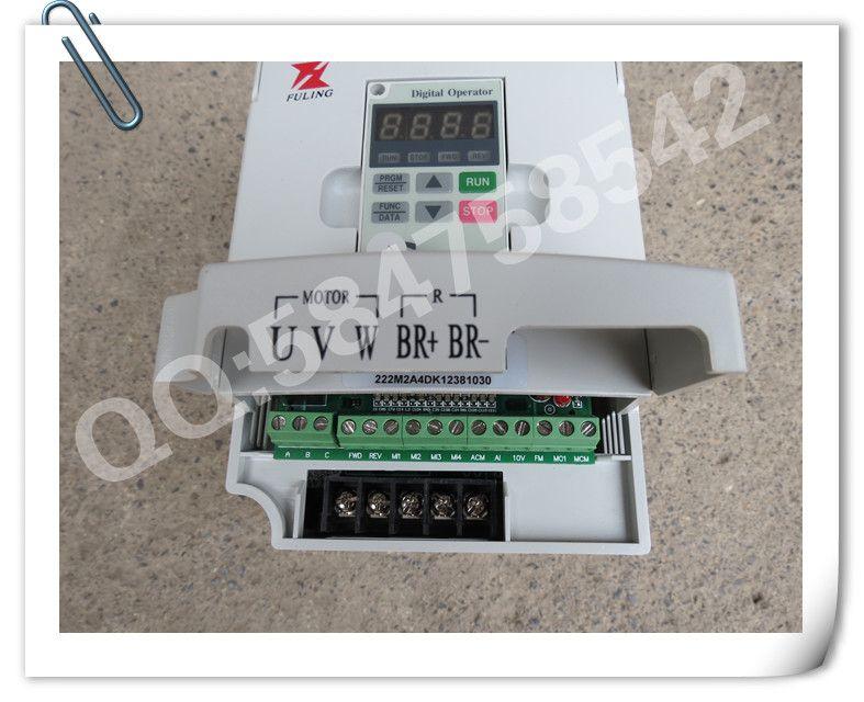 主要用途: 广泛:应用于塑料、纺织、印染、制药、铜材、印刷等机械设备。 功率范围:0.55~630KW 主要特点 采用准32位DSP专用控制芯片,响应速度快,控制精度高 控制方式: 1)多种V/F控制 2)无速度传感器矢量控制(SVC) 控制对象: 1)速度控制 2)转矩控制 频率源组合:有丰富的频率源叠加和切换方式,适合用同步控制.