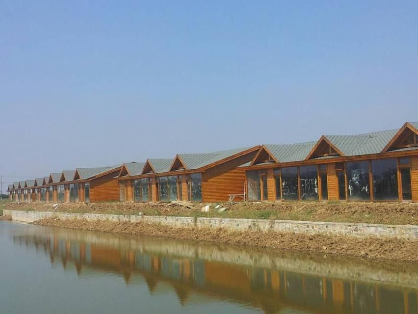 同时公司下设景观设计部,木结构施工部,提供各种户外景观的设计,制作