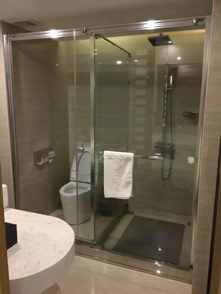 淋浴房干湿分区玻璃隔断移门
