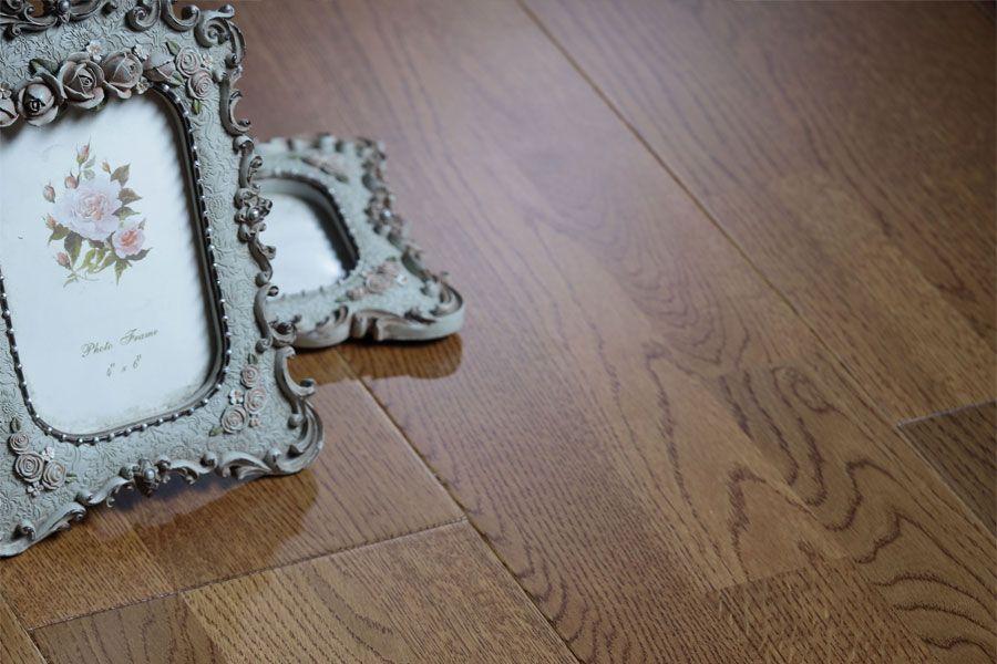 柞木三拼三层实木定制地板9132