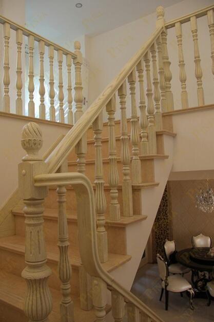 实木楼梯展厅实样展示款式 奶白色欧式实木立柱楼梯 楼梯配置