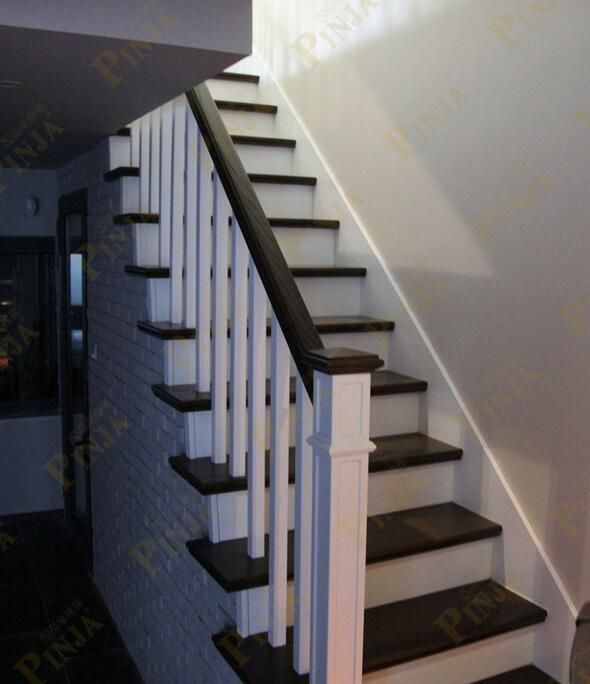 别墅简约榉木实木小方柱 原木门楼梯简约效果图 工厂制作