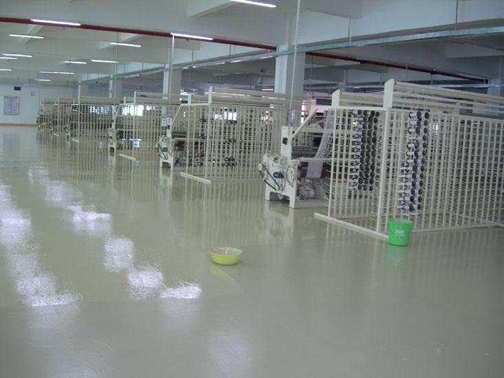 西安树脂环氧地坪地下车库工业厂房图片