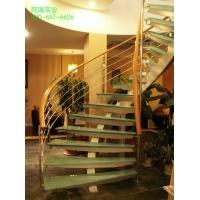 弧形玻璃楼梯