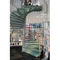 旋转玻璃楼梯效果图_旋转玻璃楼梯厂家