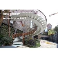 室外钢结构旋转楼梯|工程楼梯定制厂家