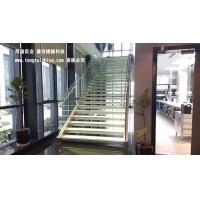 钢架玻璃楼梯 发光楼梯 不锈钢玻璃楼梯定制厂家