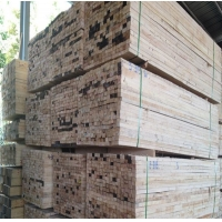 鸿邦加拿大进口铁杉木方