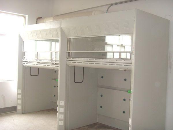 由于通风柜在生化实验室中占有非常重要的位置,从改善实验室环境,改善