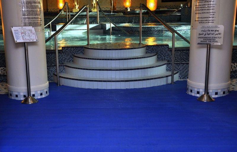 高端环保地垫  泳池防滑安全疏水地垫