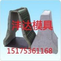 隔离墩钢模具  水泥隔离墩模具  预制隔离墩模具
