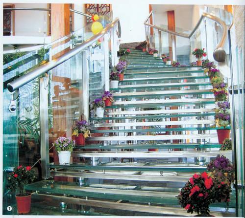 南京红灯木楼梯-钢木结构楼梯