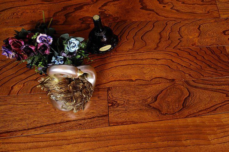 馨逸家多层实木地板 红叶似火