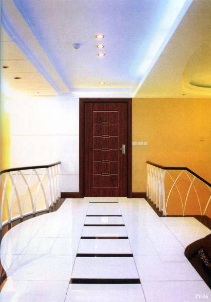 通宇室内门个有多种面板图形和立体浮雕设计,并采用先进的进口腹膜机表面一次成型,更具现代感和个性化,符合绿色环保要求。具有免漆、防潮、无污染、易清理、隔音效果好等优点。适用于写字楼、办公楼、商场、医院、休闲健身等公共场所及生活居家的室内装饰。