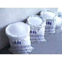 本产品是由普通膨胀珍珠岩研磨后的粉末或添加一定比例的珍珠岩磨