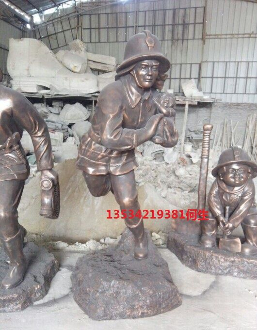 仿铜玻璃钢消防员人物雕塑 港城雕塑