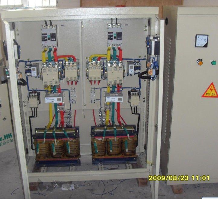 自耦减压起动柜 xj01系列自耦减压起动柜适用于交流380v(660v)功率至300(500)千瓦的三相鼠笼型感应电动机作为降压起动之用,利用自耦变压器降压的方法以改善当电动机起动时对电网的影响。 二、起动性能 3、本产品起动电动机时,电源进线的起动电流不超过电动机额定电流的3~4倍,其最大起动时间为2分钟(包括一次或连续数次起动时间的总和),若连续起动时间98总和已达2分钟,则起动的冷却时间应不少于4小时才能再次起动,因此本产品仅作长时间歇起动之用,不适宜在频繁操作条件下使用。 三、产品结构 4、本产品