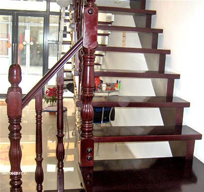 楼梯扶手,钢木楼梯,实木门,实木踢脚线一条生产线销售的企业.