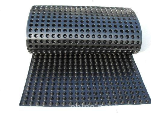 自粘式防水板