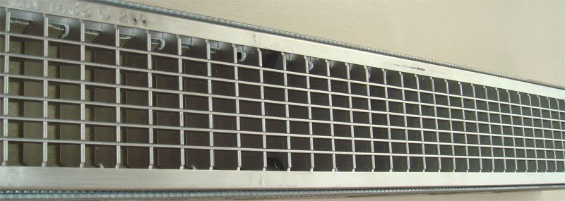 Grille-resin drain