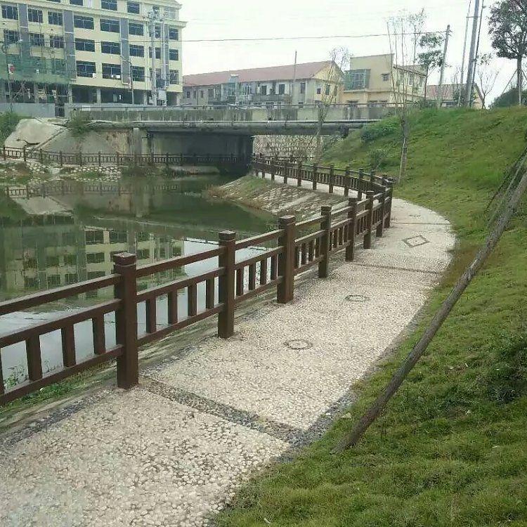 供应仿木护栏  河堤护栏 园林装饰景观工程