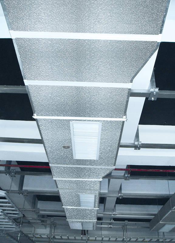空调风管制作_铝箔复合酚醛保温板风道风管制作安装