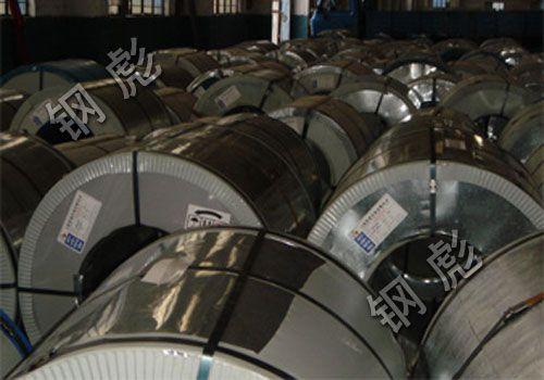 产品主要用于钢结构厂房的屋面