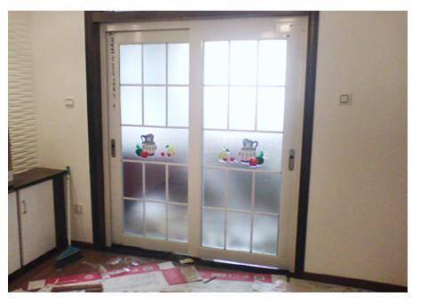 厨房玻璃门图片