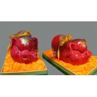 供应景德镇窑盛陶瓷中国红富贵猪