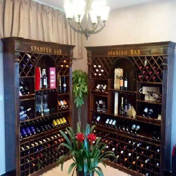 创意酒柜定制帝客尼整体家居为你服务到家