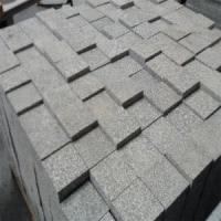 北京花岗岩石材加工,保定剁斧石黑白点台阶石材