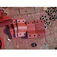四螺栓管夹