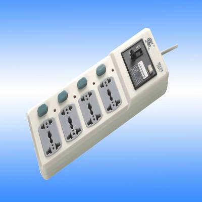 良工插座转换器8041带漏电保护