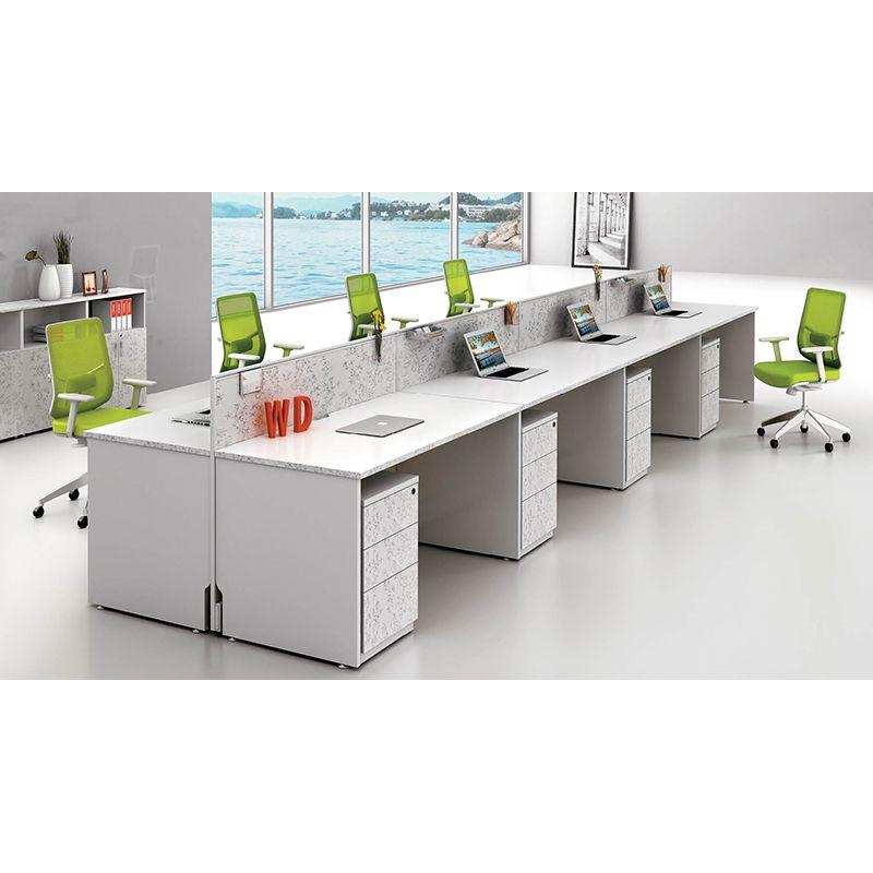 公司介绍: 佰利同创办公家具公司是一家生产、销售为一体的大型办公家具公司。为现代企业提供做工精良的办公家 具系统:文件柜、办公桌、密集架、屏风组合系列、职员桌系列、会议桌系列、办公沙发系列、为追求成 功的企业营造一个舒适有序、高雅高效的办公空间。所有办公家具用料考究,并辅以CAD电脑设计,为企 业提供全套的办公家具系列。 规格:(各种规格、型号、厚度价钱不同欢迎来电咨询) 规格:长1200*宽600(mm) 台面:高750(mm) 屏风高:1100(mm) 颜色:有多种颜色可选 工作台面:简洁,所需东西